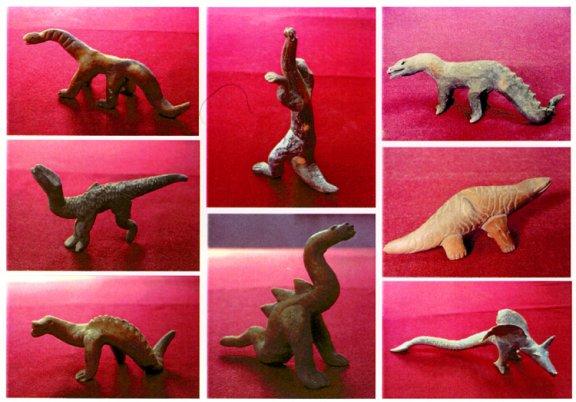 Figurines de dinosaures